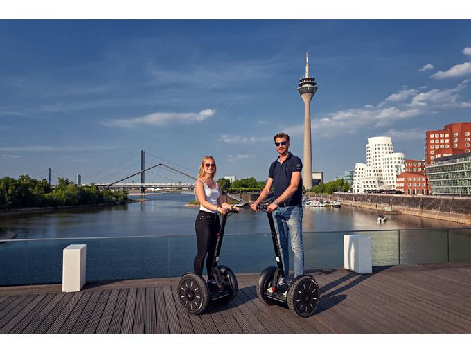 Düsseldorf: Segway-City-Tour (max. 120 Min)