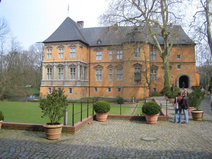 Mönchengladbach: Schlösser des Niederrheins - XXL-Tour (ca. 210 Min)