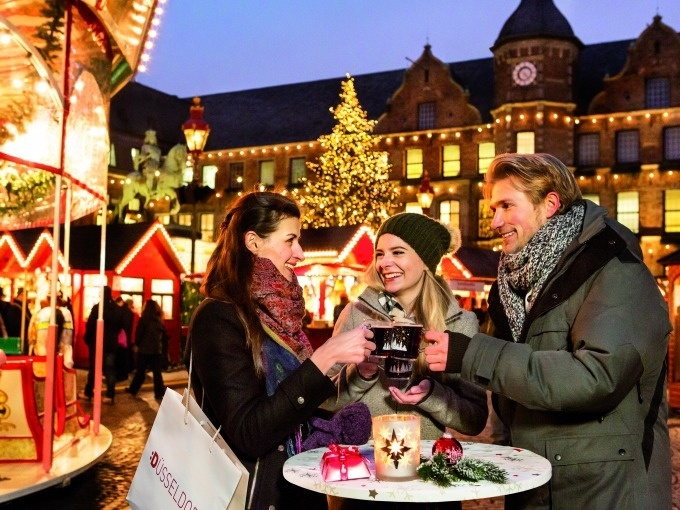 Düsseldorf: Weihnachtsmarkt-Tour